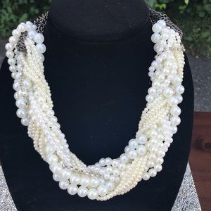 🆕 Gorgeous Braided Pearl & Rhinestone Necklace